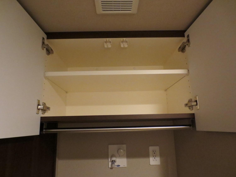 ランドリーの洗濯機上吊戸棚をオーダーしたい!サイズ感や寸法を事例でご紹介!
