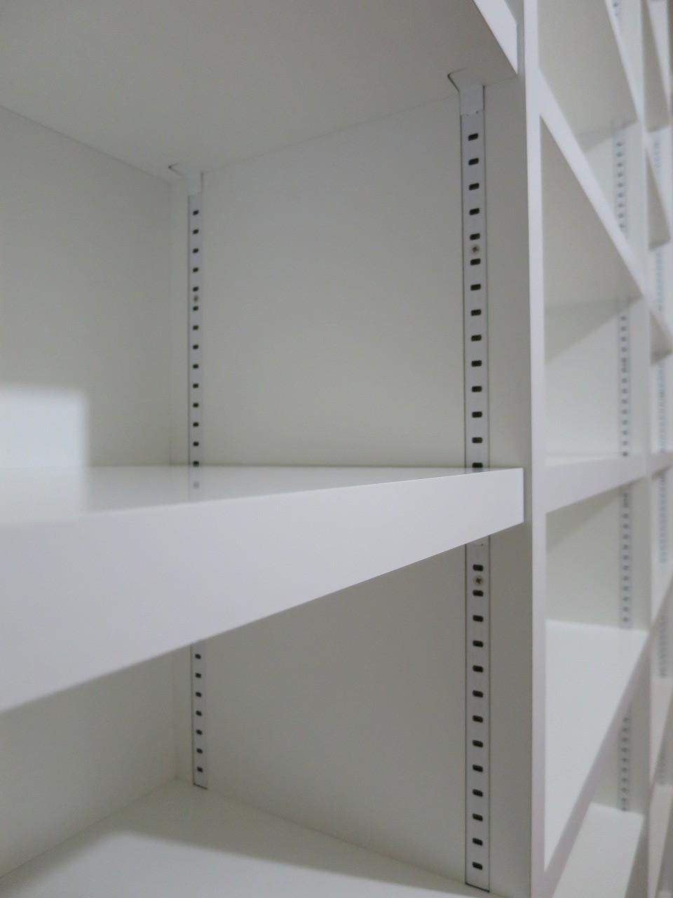棚板の耐荷重はどれくらい?オーダー家具だからできる強度やたわみ対策!